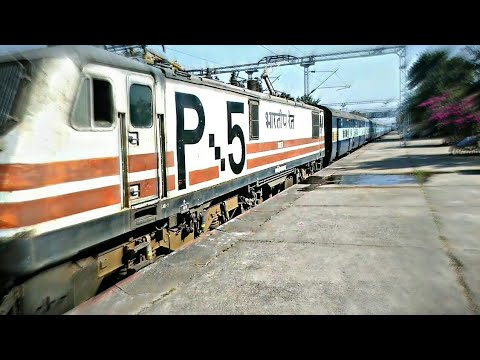 (22968)AHMEDABAD EXPRESS PASSED SILENTLY WITH WAP-5