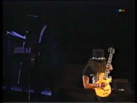 Slash playin solo and Godfather Theme