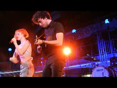 PARAHOY!: Paramore - Moving On Live 3/9/14