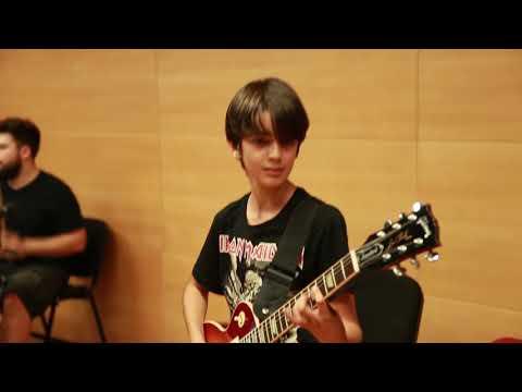 Armoni Sanat Atölyesi Konser görüntüleri ç Elektro gitar dersleri