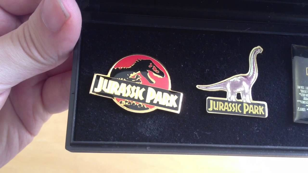 Jurassic Park Collectable Pin Badges And Presentation Box