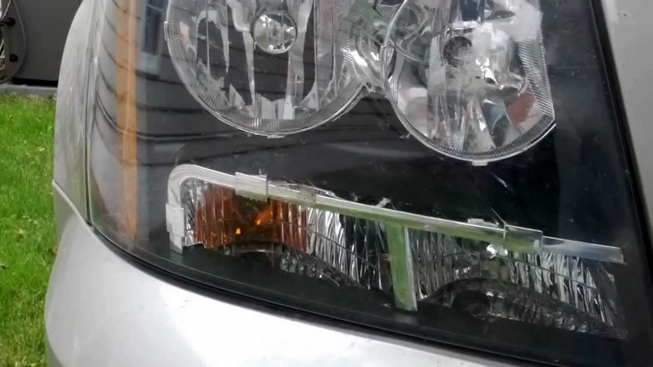 How To Remove Replace Headlight Bulb In Chevy Tahoe 2007 2008