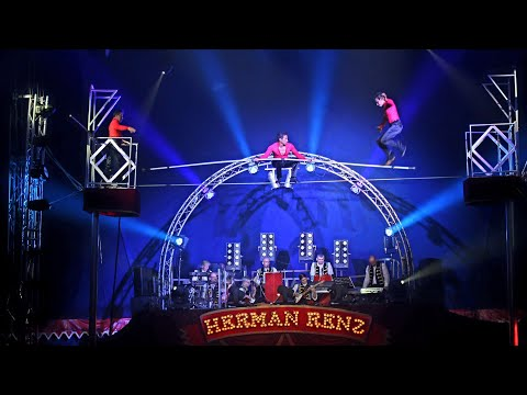 Circus Herman Renz 🇳🇱 Trio Camadi-High Wire ACT!
