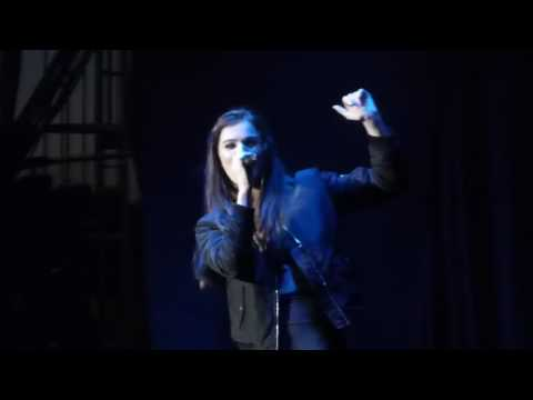 Hailee Steinfeld - Love Yourself (Bieber) - Live at the Iowa State Fair
