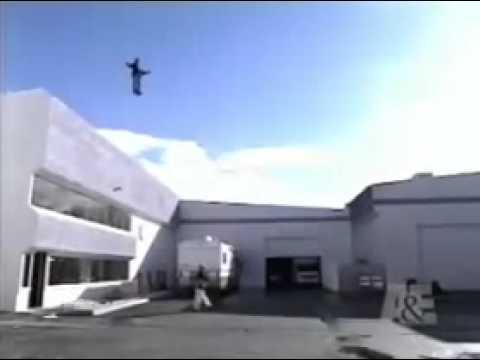 "The flying man""Chris Angel"""