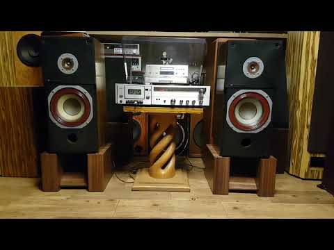 My Pioneer CS-R590 speakers and an Aiwa amp  Xtremly loud by amorgan93