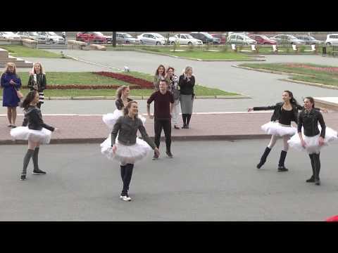 артисты кино и театра ульянов дмитрий