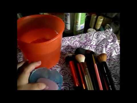 10. How I Clean My Brushes 如何清理化妆刷子