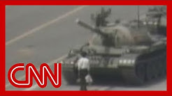 1989: Man vs. Chinese tank Tiananmen square