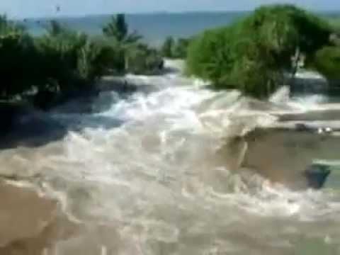 Tsunami Hits Thailand & South East Asia