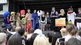 Segrande karnevalståg i Värnamo