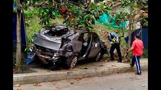 Hombre cayó con su vehículo desde el cuarto piso de un parqueadero en Sabaneta y murió