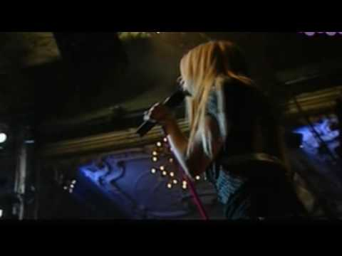 Avril Lavigne Everything Back But You Paris