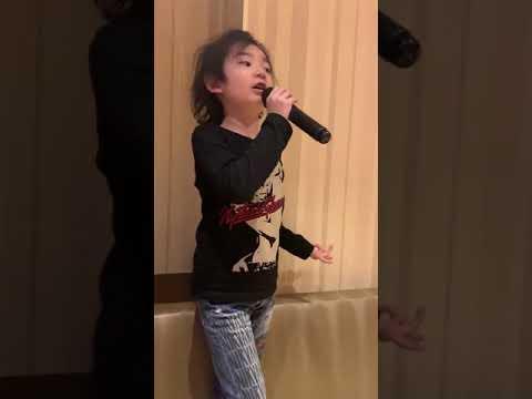 レベッカ フレンズ 6歳児歌う
