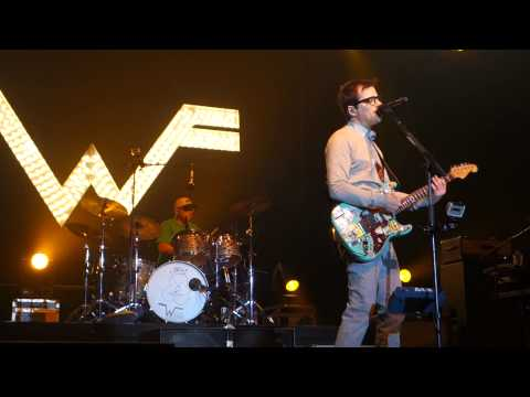 Weezer - Pork and Beans - Live in San Jose