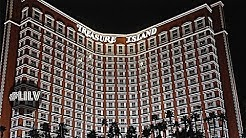 Gambling, Gilleys & Exploring Treasure Island Las Vegas!