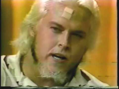 Funny! Wayne Farris Answers Stupid Questions (6-23-79) Classic Memphis Wrestling Promo