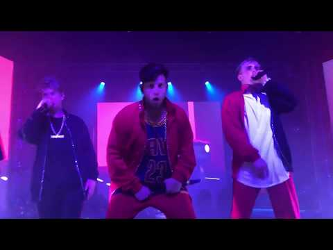 """Jake Paul Performs """"It's Everyday Day Bro Remix with Team10(LIVE)"""