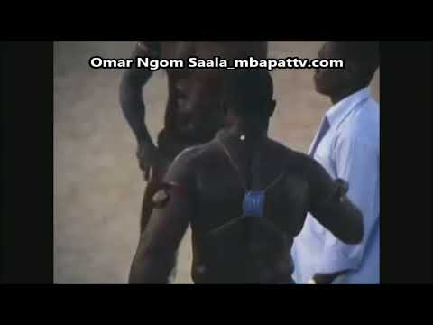 Robert Diouf VS Ousmane Ngom arbitré par Thierno Ngom en 1973 au Stade Iba Mar Diop