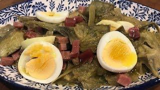 Alcachofas con jamón y huevo duro