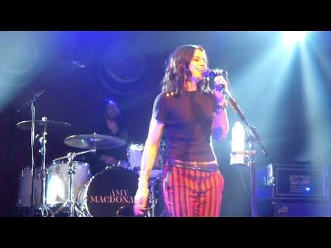 Amy Macdonald- Down By The Water- Glasgow Barrowlands- 15.12.17