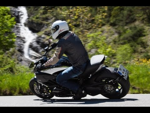 Ducati Diavel Chromo - Test in den Alpen