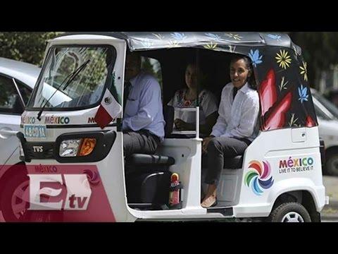 Embajadora de México en India viaja en mototaxi / Mariana H