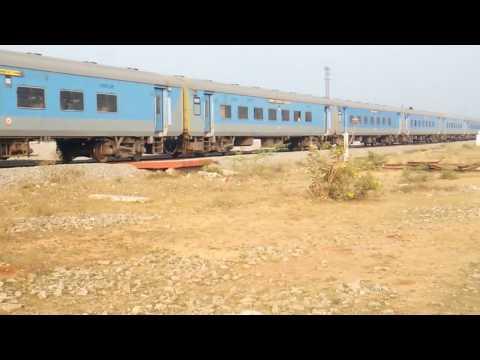 Secunderabad - Vijayawada InterCity Express (22796⇒12796)*** RARELY*** STOPS AT MLG