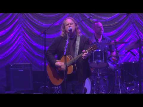 """Warren Haynes - """"Beat Down the Dust"""" Live"""