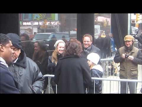 Lily Tomlin signing authographs in New York City