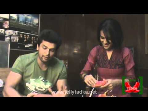 Nia Sharma and Kushal Tandon  Opening the Gifts of TVC Fans