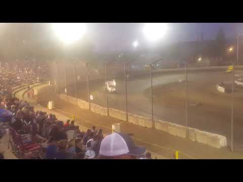 Sprint car race at Bakersfield speedway
