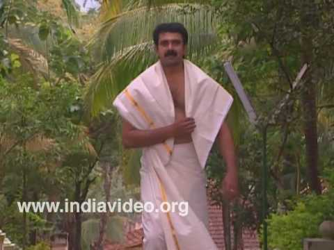 Man in mundu and neryathu