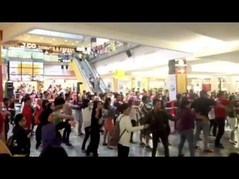 Second Gleek Indonesia Flashmob at EX, Plaza Indonesia, Jakarta