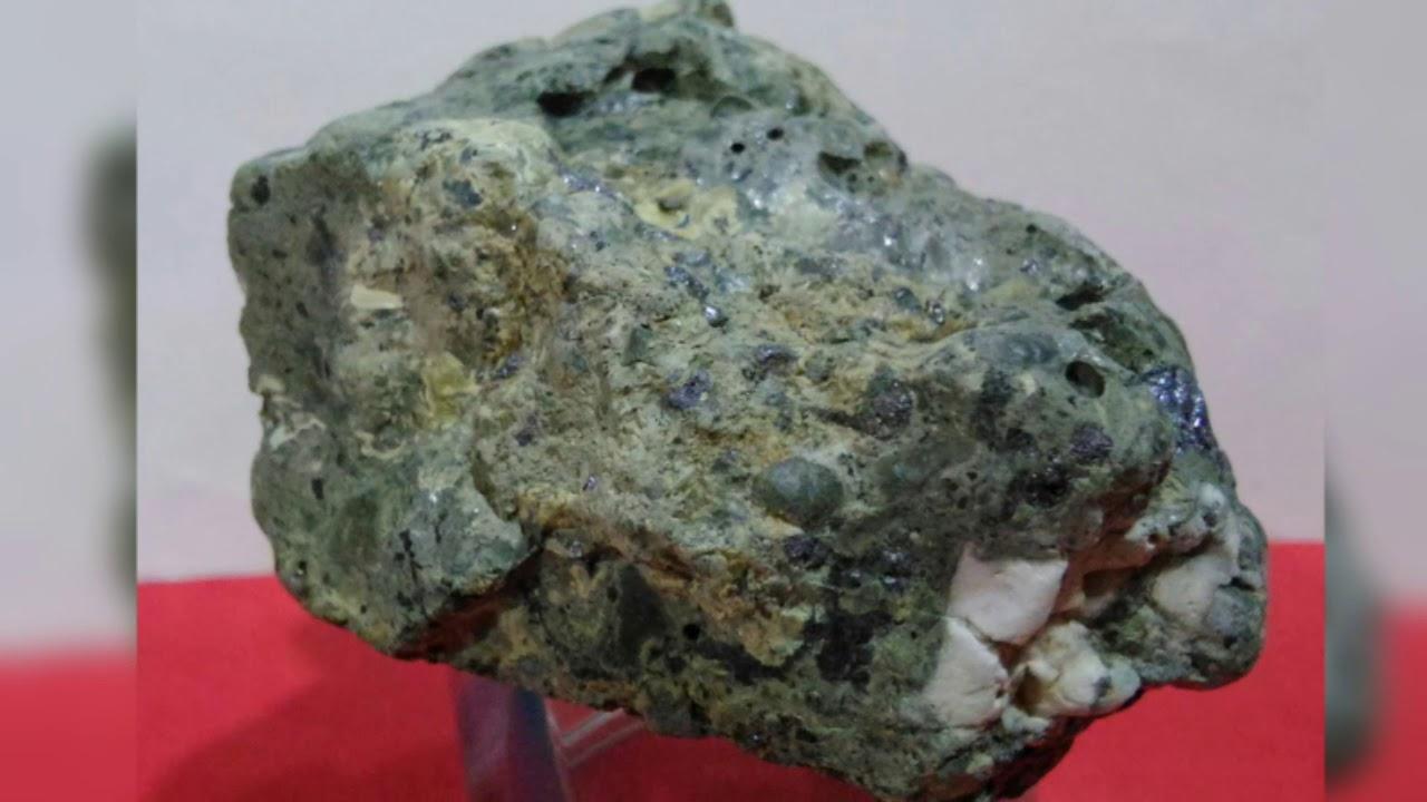 иллюстрированный метеорит с меркурия фото такой