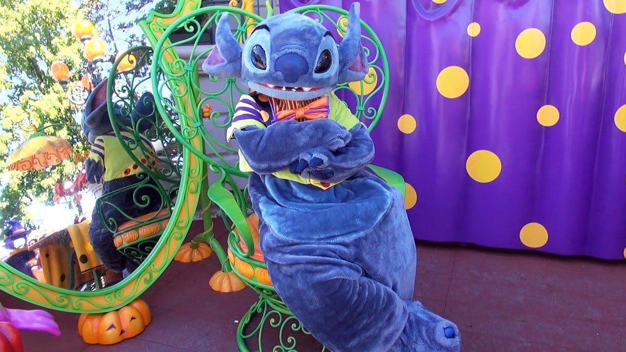 stitch meet greet at halloween costume corner disneyland paris le coin des costumes dhalloween