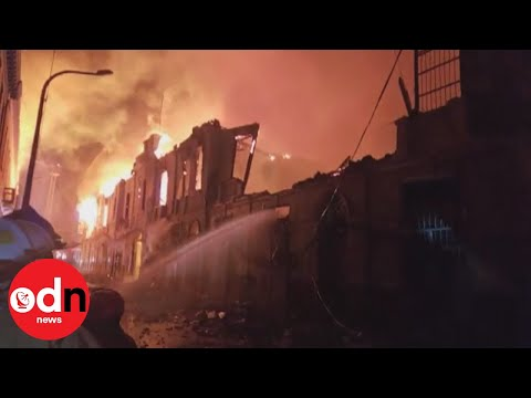 Massive fire tears through Peru's capital