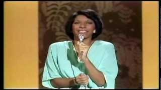#nowwatching @NatalieCole LIVE - Got Love On My Mind