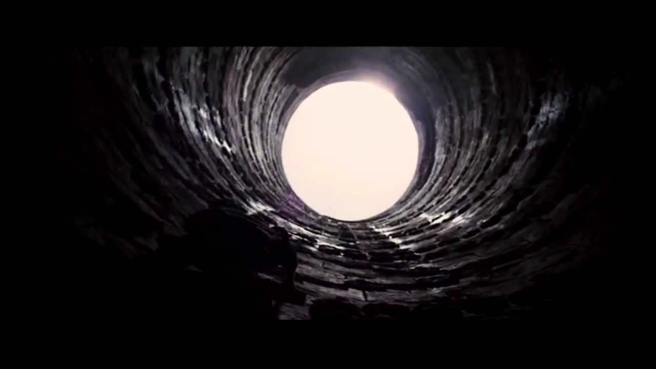 The Dark Knight Rises - Bruce escapes the Pit - YouTube