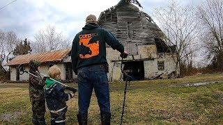 Metal Detecting a Civil War Era Farm - Treasure Hunting Abandoned Barn