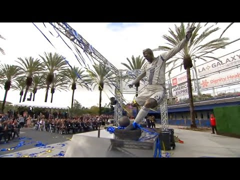LEGEND! LA Galaxy unveil statue of David Beckham in Legends Plaza | #BeckhamStatue