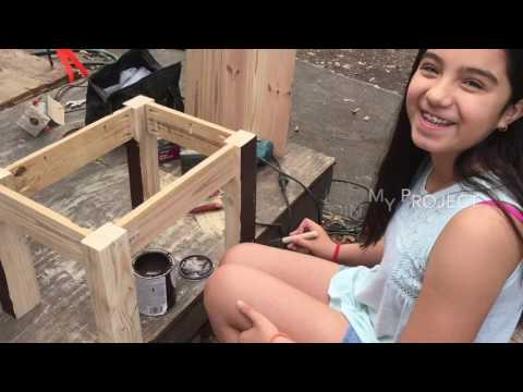 Coffee table with pallet wood DIY