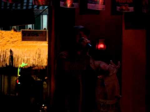 Colleen Sings 4 Non-Blonde Karaoke