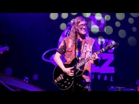 Allen Stone - Unaware - Live Toronto Jazz Festival 2016
