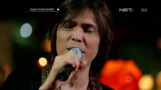 Video Once Mekel - Dealova (Live at Music Everywhere) ** download MP3, 3GP, MP4, WEBM, AVI, FLV April 2018