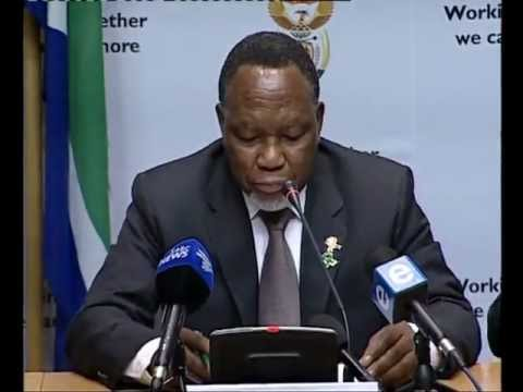 Deputy President Kgalema addressing a news conference in Cape Town