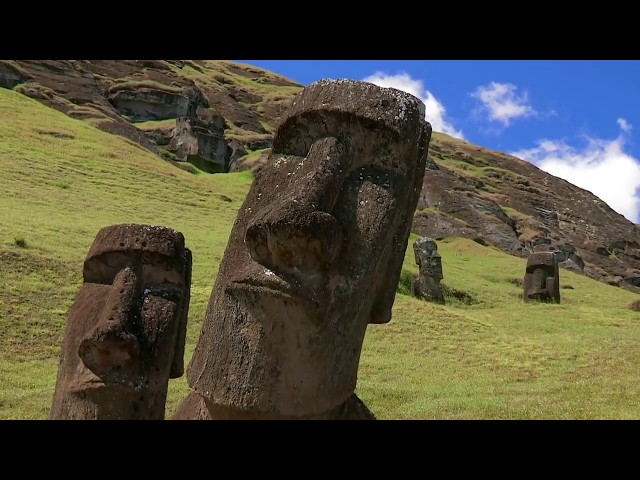Skybrokers installs an 8.1m antenna on Easter Island