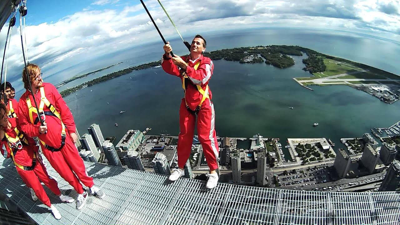 how to get to cn tower by ttc