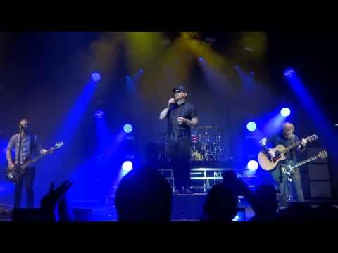Shinedown - The Crow & The Butterfly (Live at Woodlands Pavilion on July 11, 2015)