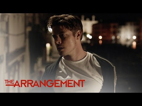 Kyle West Assaults Italian Paparazzo   The Arrangement   E!